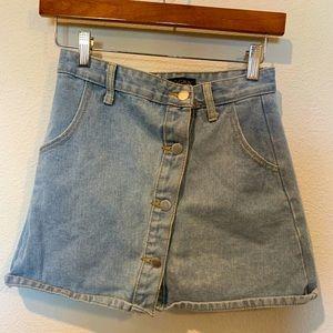 VINTAGE - Denim Skirt - Light Wash - Button Up